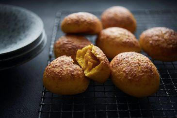 Pan&の香ばしチーズのかぼちゃあんパン